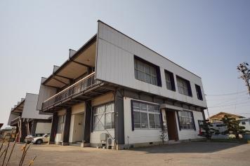 山辺工場外観